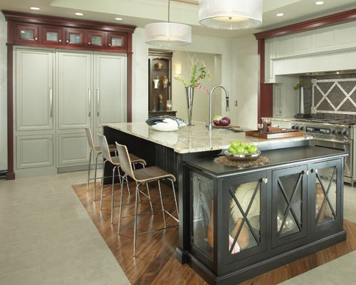 Here's another Zolman kitchen installation from Kurt and Andrea's Medallion Platinum Series.